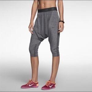 Nike Size XS Gray Workout Legging Pants